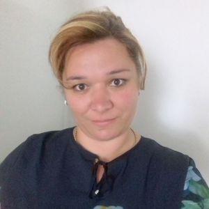 Kurczveil Edina Babysitter Kazincbarcika Edelény