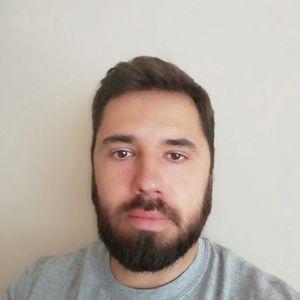 Klenoczki Krisztián Bútorasztalos Kalocsa Paks