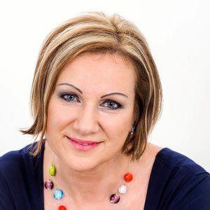 P. Tóth Erika Ceremóniamester, vőfély Cegléd Szolnok