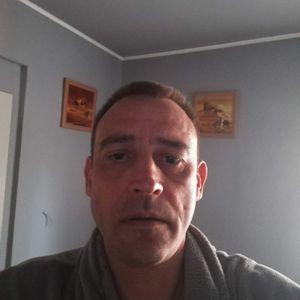 Őze Tibor Ezermester Budapest - VI. kerület Budapest - VIII. kerület