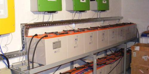 Szegetüzemű napelemes rendszer (akkumulátoros)