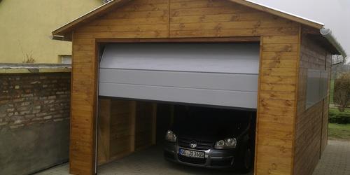 Fa garázs