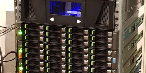 kazettás és HDD mentő egység kb. 300TB
