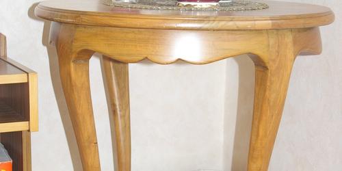 neobarokk asztalka