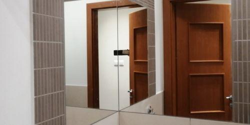 saroktükör kialakítás mosdóban