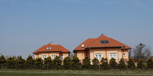 Iker házak.