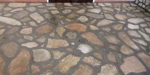 Kőburkolat teraszon