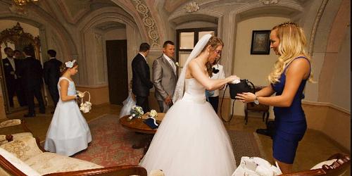 Szandráék esküvője