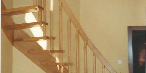 Fűzött lépcső, tömör tölgyfából