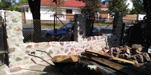 Tégla kerítés építése