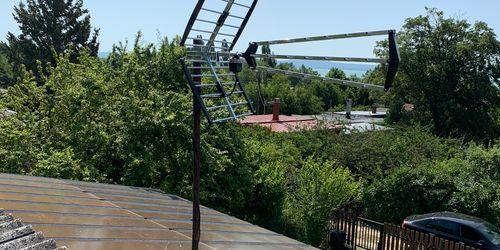 Földfelszíni antenna szerelése Balatonon