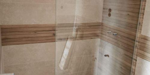Zuhany üveg panel beépítése