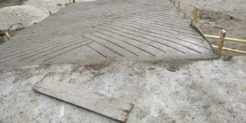 Kőműves Tura Monor