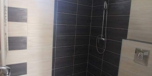 épített zuhany készítés, burkolás