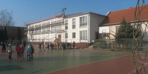 Általános Iskola homlokzati hőszigetelés - Iklad