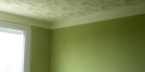 Olíva-sárga hálószoba.