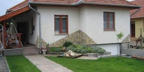 Kőműves Solt Nagykáta