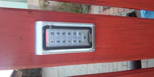Elektromos kapu kódzár