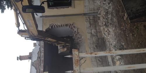 3 ker Kalászi utca épület bontás