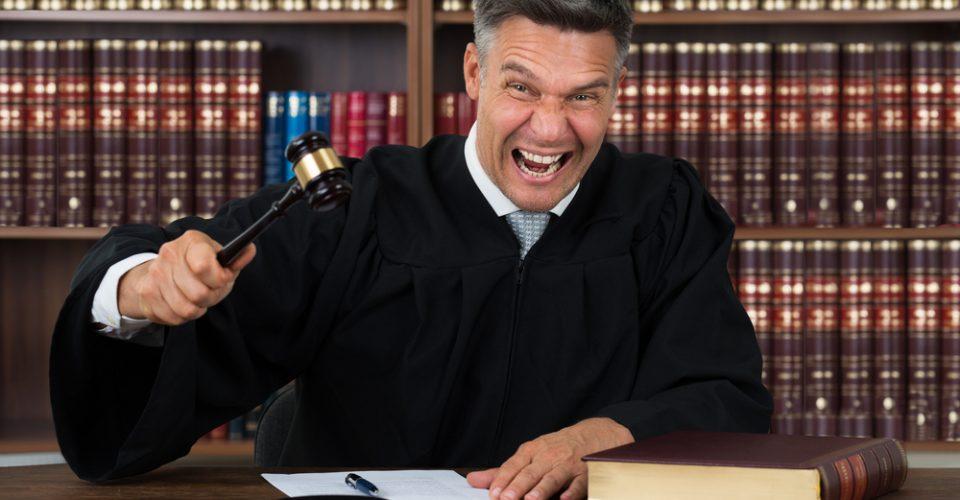 Bram Moszkowicz' uitlatingen over zijn neef leiden tot schadevergoeding van €10.000
