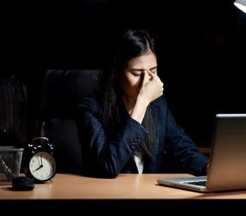 Uitbetaling van 404,1 overuren, ondanks contractuele bepaling dat overwerk niet wordt uitbetaald