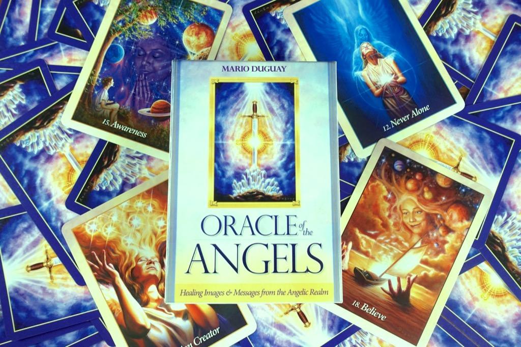 天使神諭卡封面 the Oracle of the Angels