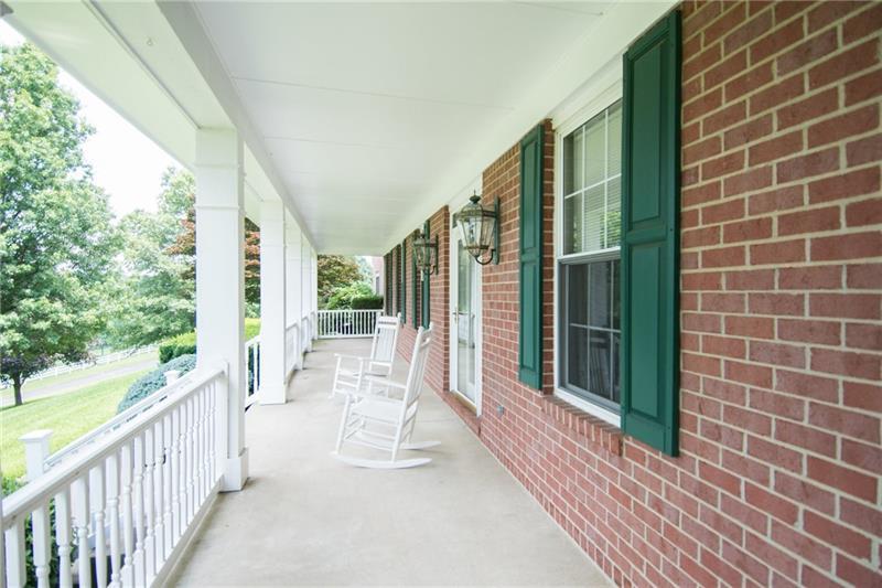 332 Oak Ridge Dr Venetia, PA