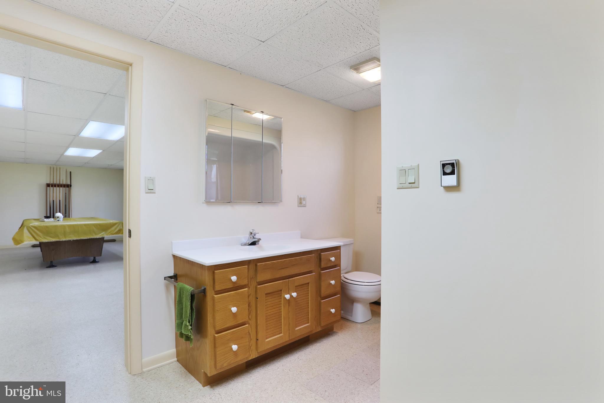 1140 Fairview Dr Berkeley Springs, WV