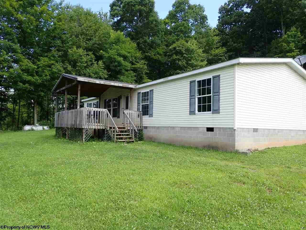 2638 Centerville Rd Rock Cave, WV