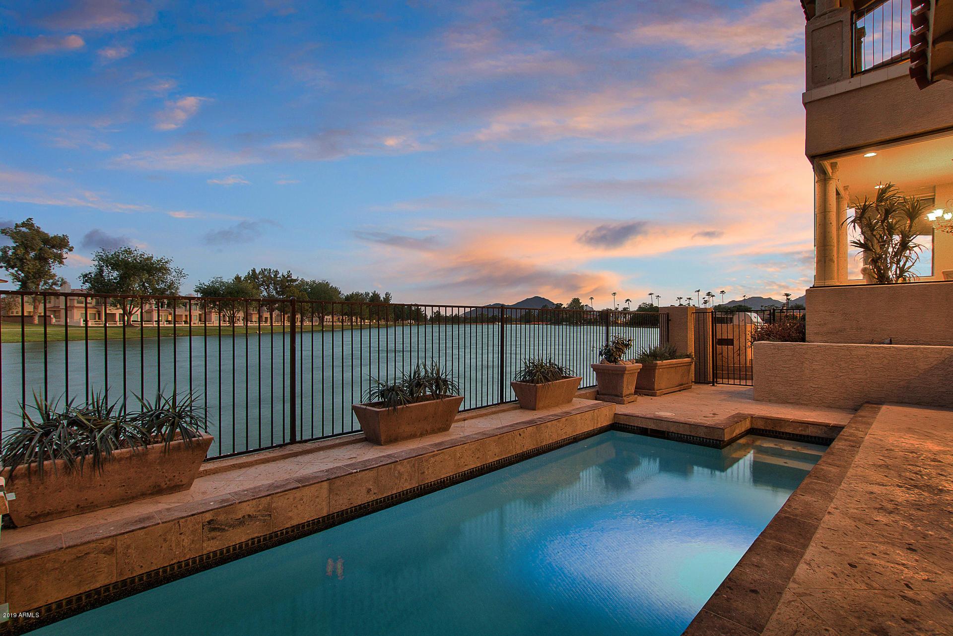 8351 E Del Camino Dr Scottsdale, AZ
