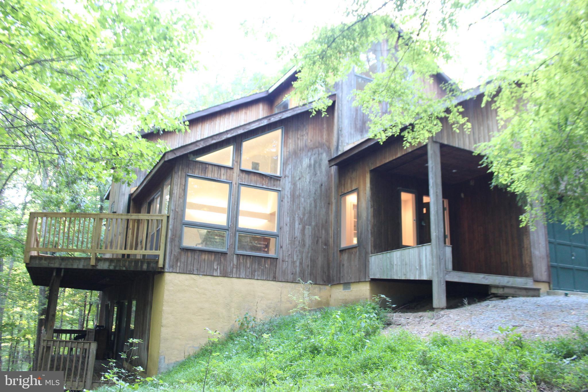 327 WINTERGREEN WAY Berkeley Springs, WV