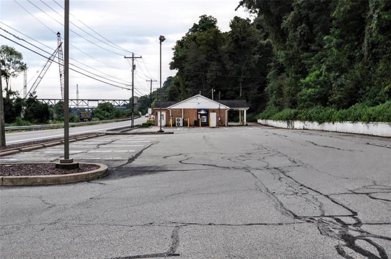 141 Pennsylvania Ave Charleroi, PA