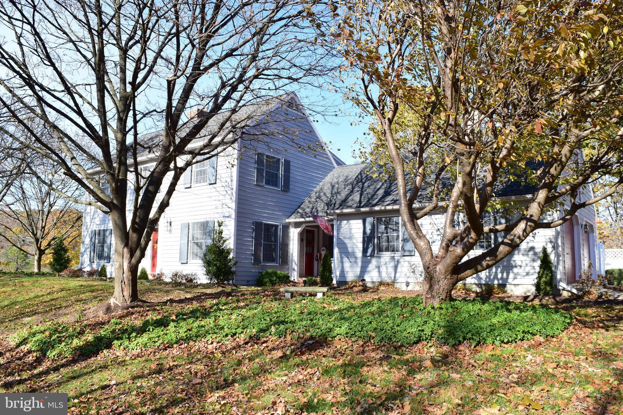 1557 Valley Rd Berkeley Springs, WV