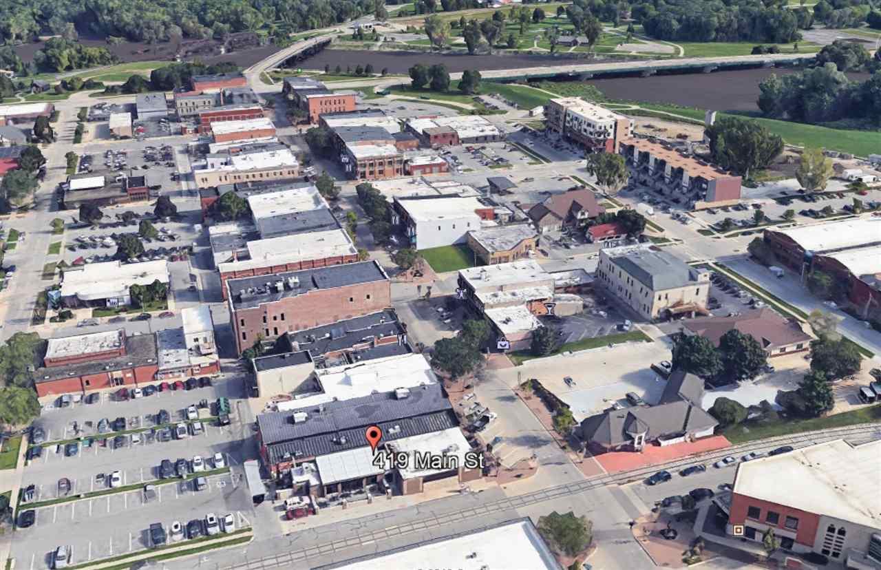 419 E Main St Cedar Falls, IA