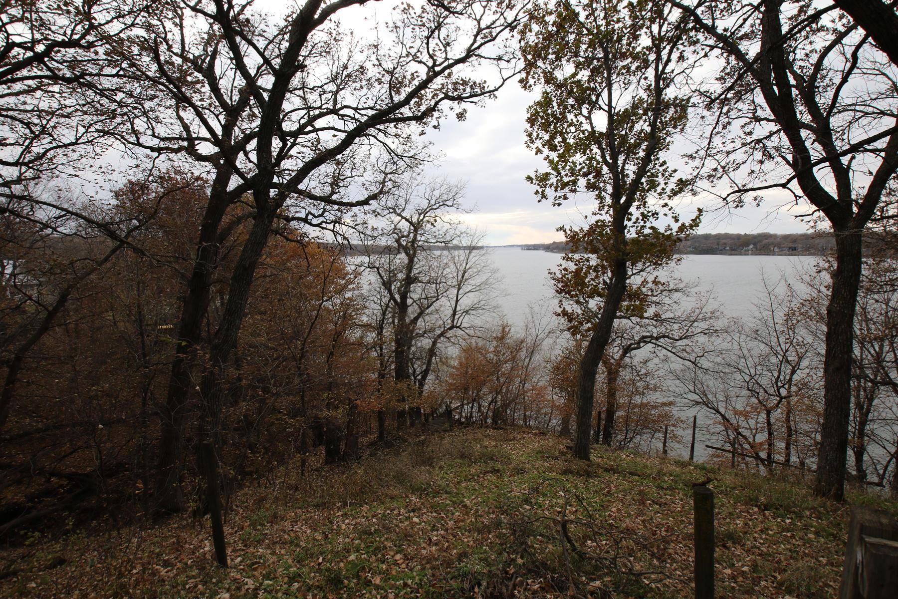25607 Oak Ln Spirit Lake, IA