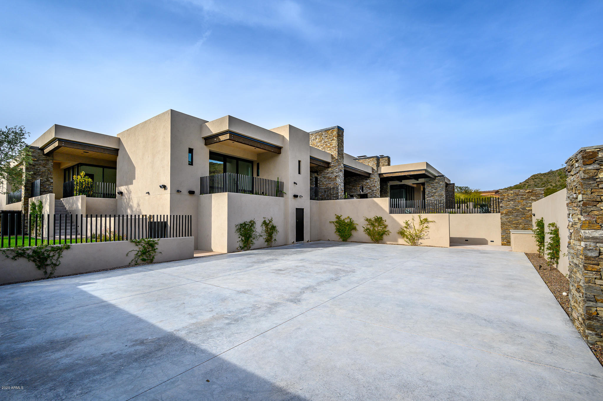9820 E Thompson Peak Pkwy Scottsdale, AZ