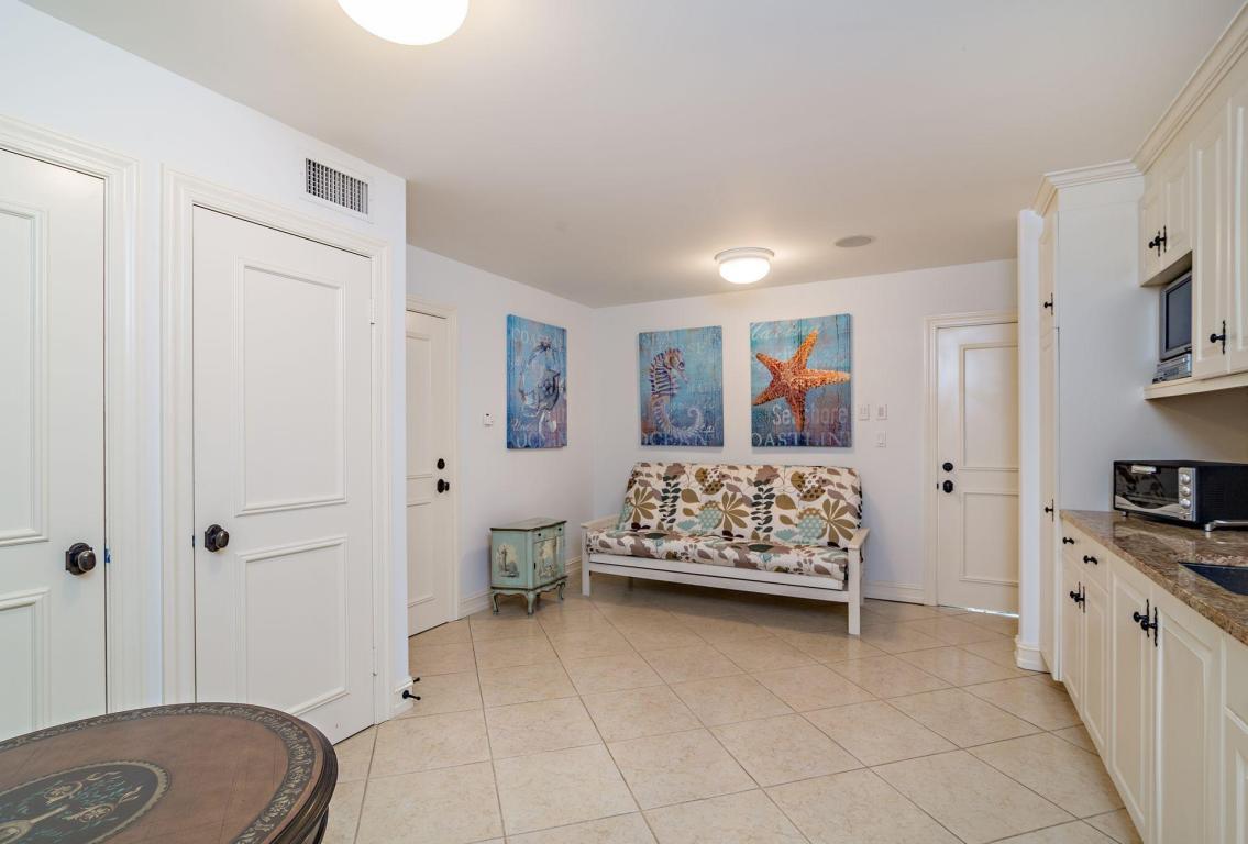 2900 NE 37th Street FORT LAUDERDALE, FL