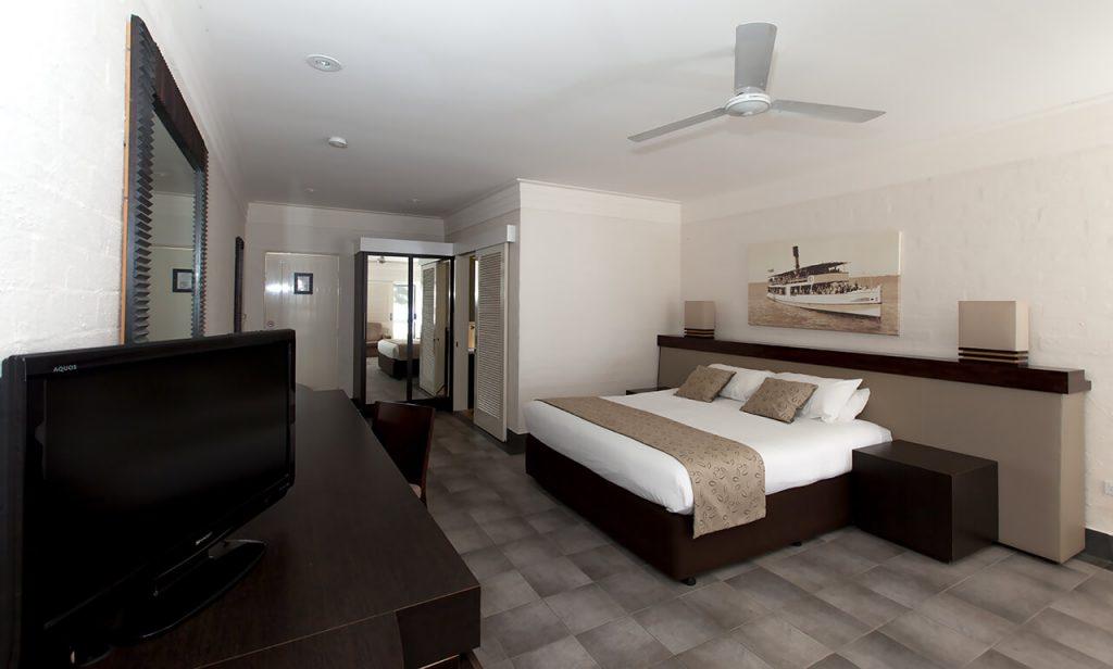 Premium Lakeside Room