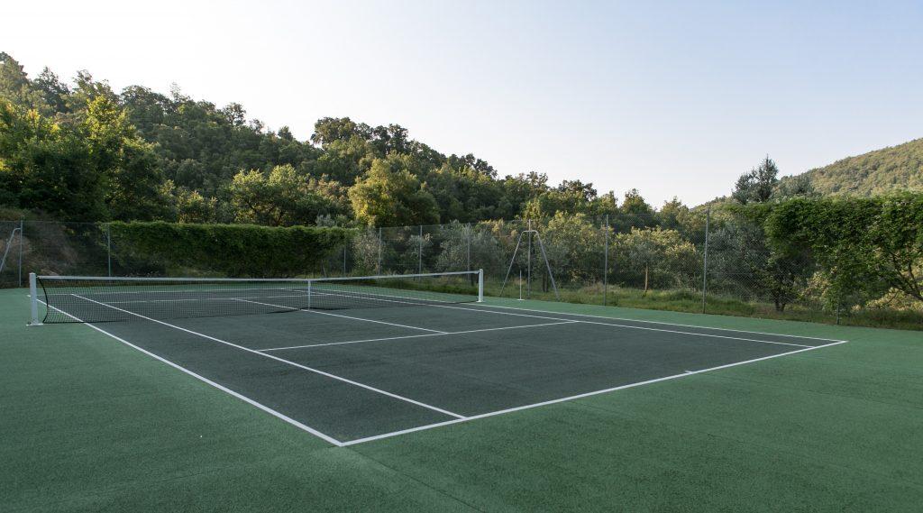 Karma Tennis yard