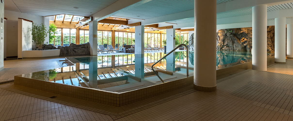 infinity big karma bavaria pool