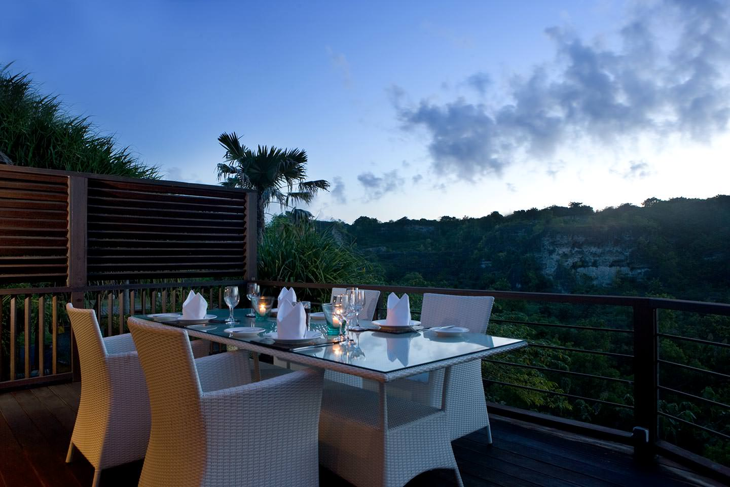 romantic candle light dinner with valley view at luxury 5 Star Resort in Jimbaran Bay