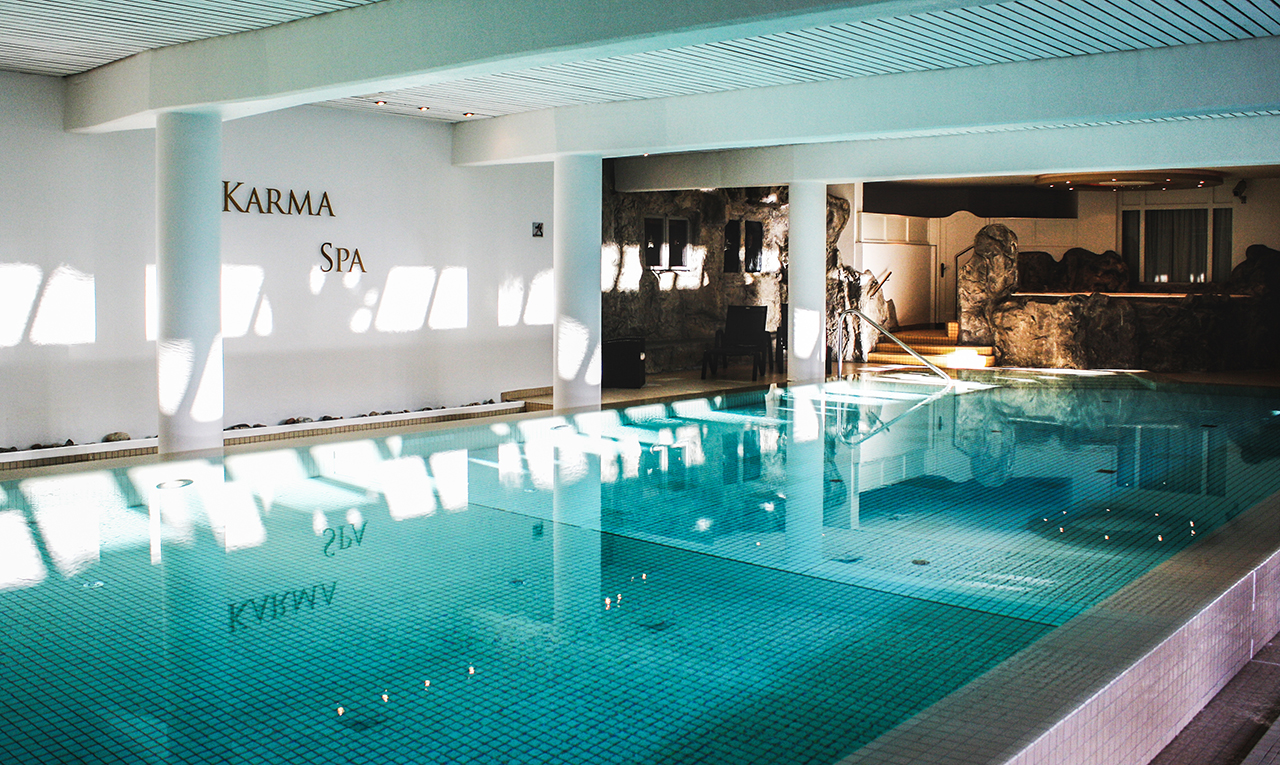 luxury hotel of infinity Karma Spa Pool