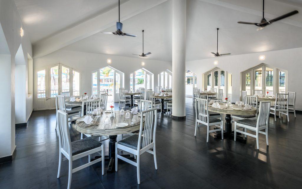 white huge luxury hotel of Benaulim Brasserie Restaurant