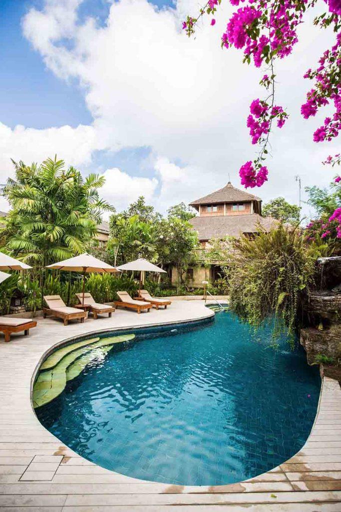 infinity pool of luxury hotel Karma Royal Jimbaran Pool