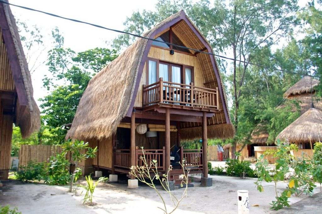 unique wood house, luxury Karma Reef Lumbung Villa