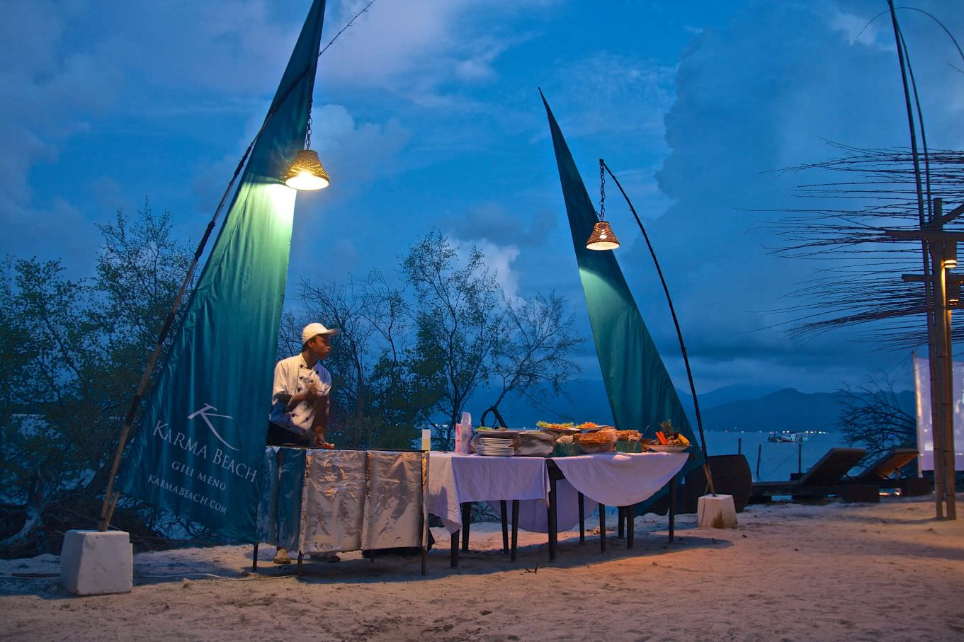Best Hotels in Gili Islands grill and barbecue cuisine