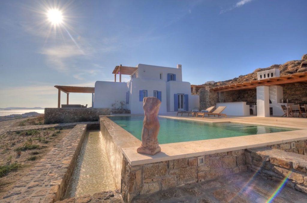 Luxury hotel of Karma Pelikanos Poolside