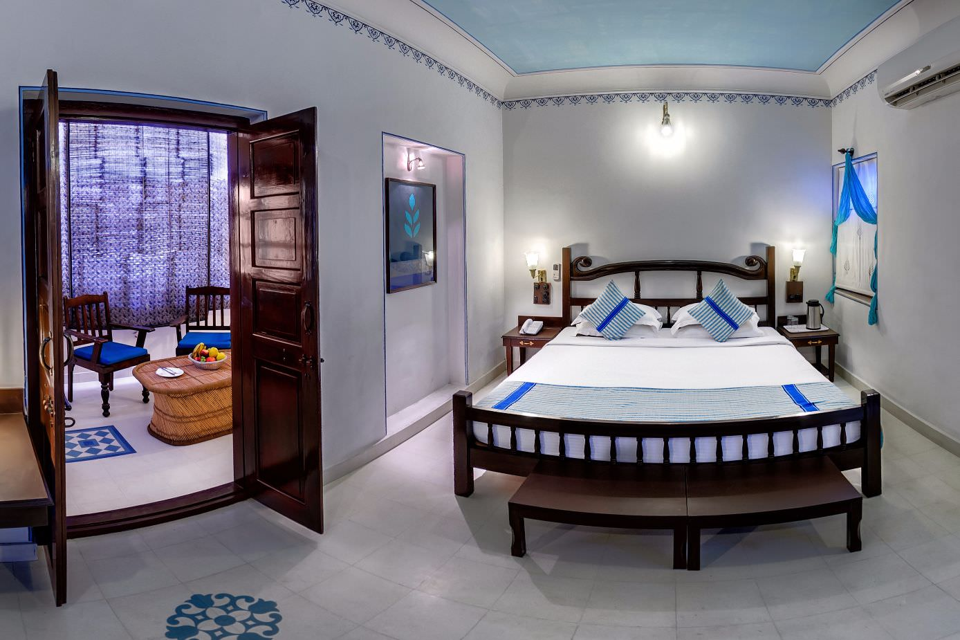 luxury hotel of Blue Room karma haveli