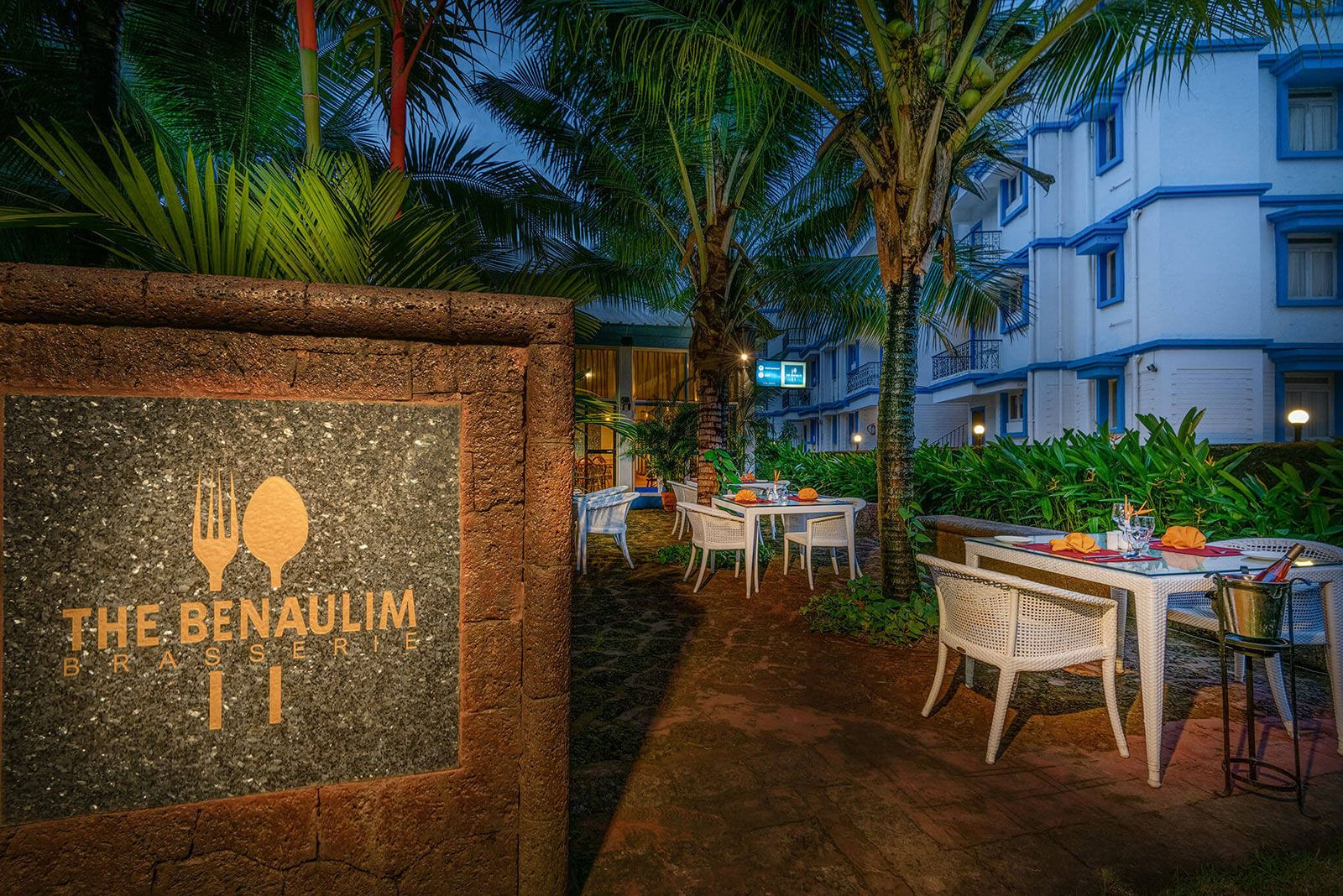 luxury hotel of Karma Royal Palms Benaulim Brasserie Outdoor Seating