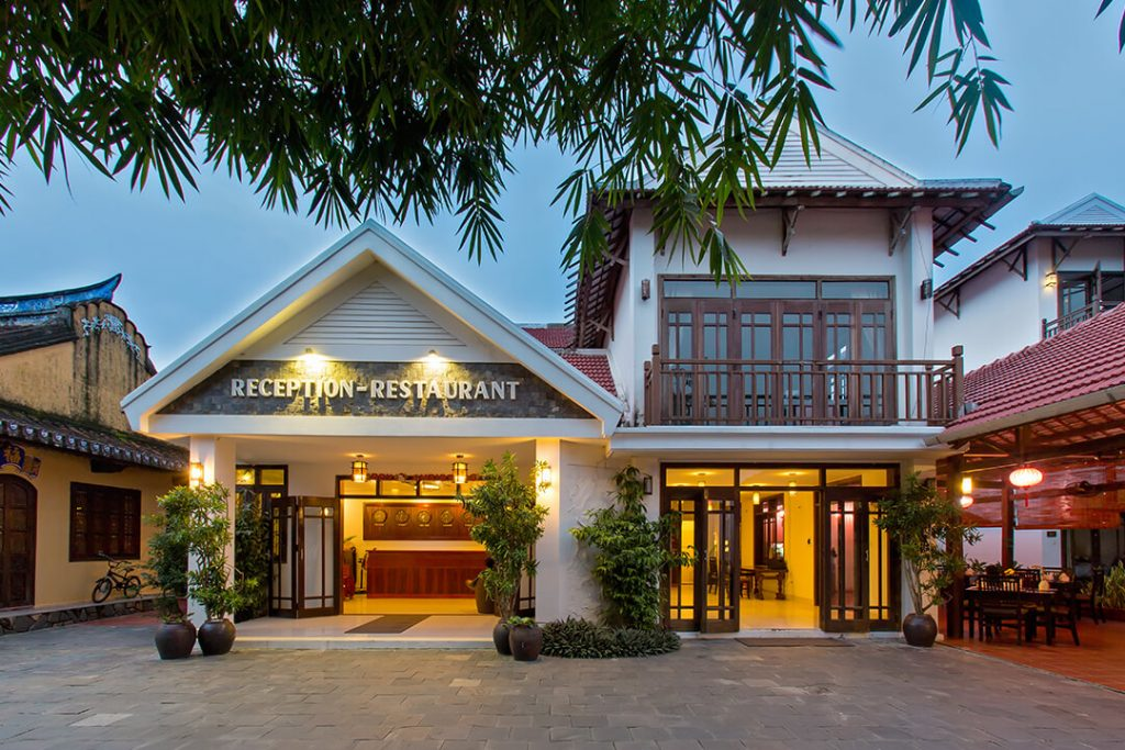 front view of luxury resorts and hotel of karma cay tre